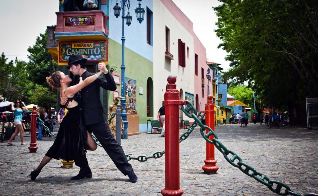O tango nasceu nos subúrbios de Buenos Aires, na Argentina, no final do século XIX.