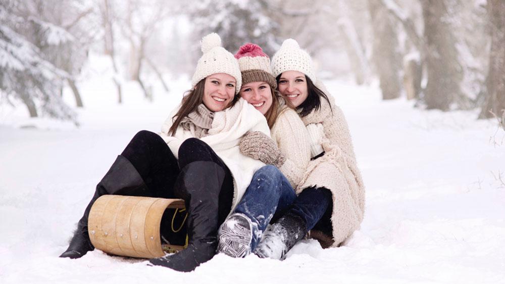 mulheres botas inverno no frio - tche inverno